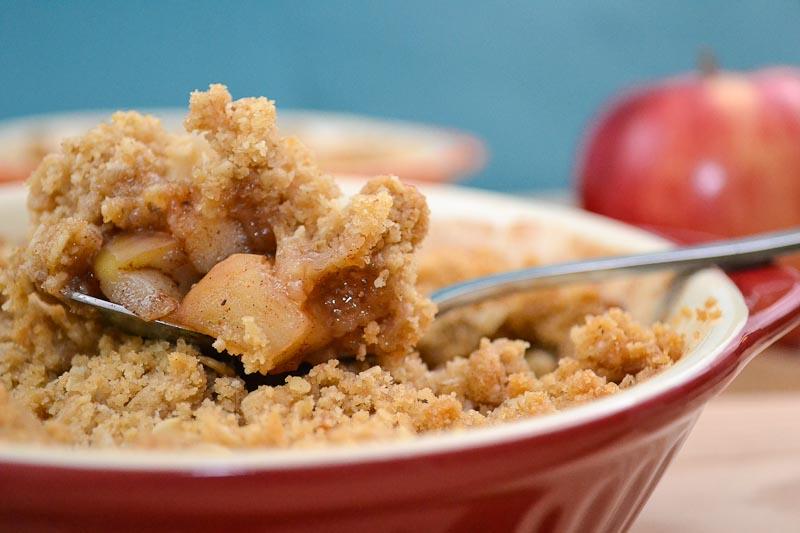 Oishii Treats: Apple Crisp for 2!