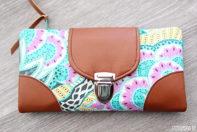 stitchydoo: Bunte Geldbörse aus Amy Butler Stoff und Kunstleder