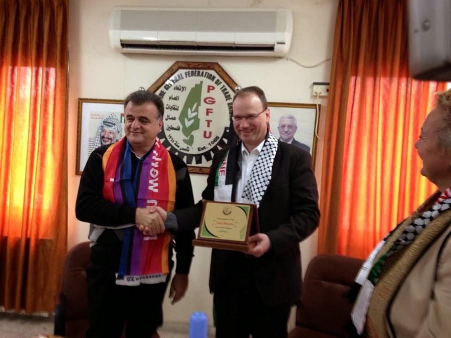 Ton Heerts met Shaher Sa'ed (PGFTU), februari 2014