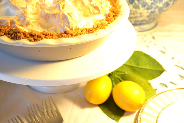 Featured projects from the sunday showcase party for Lemon meringue pie with graham cracker crust