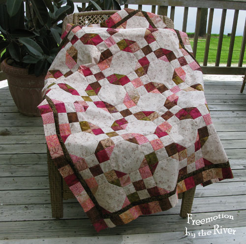 Batik snowball quilt at Freemotion by the River