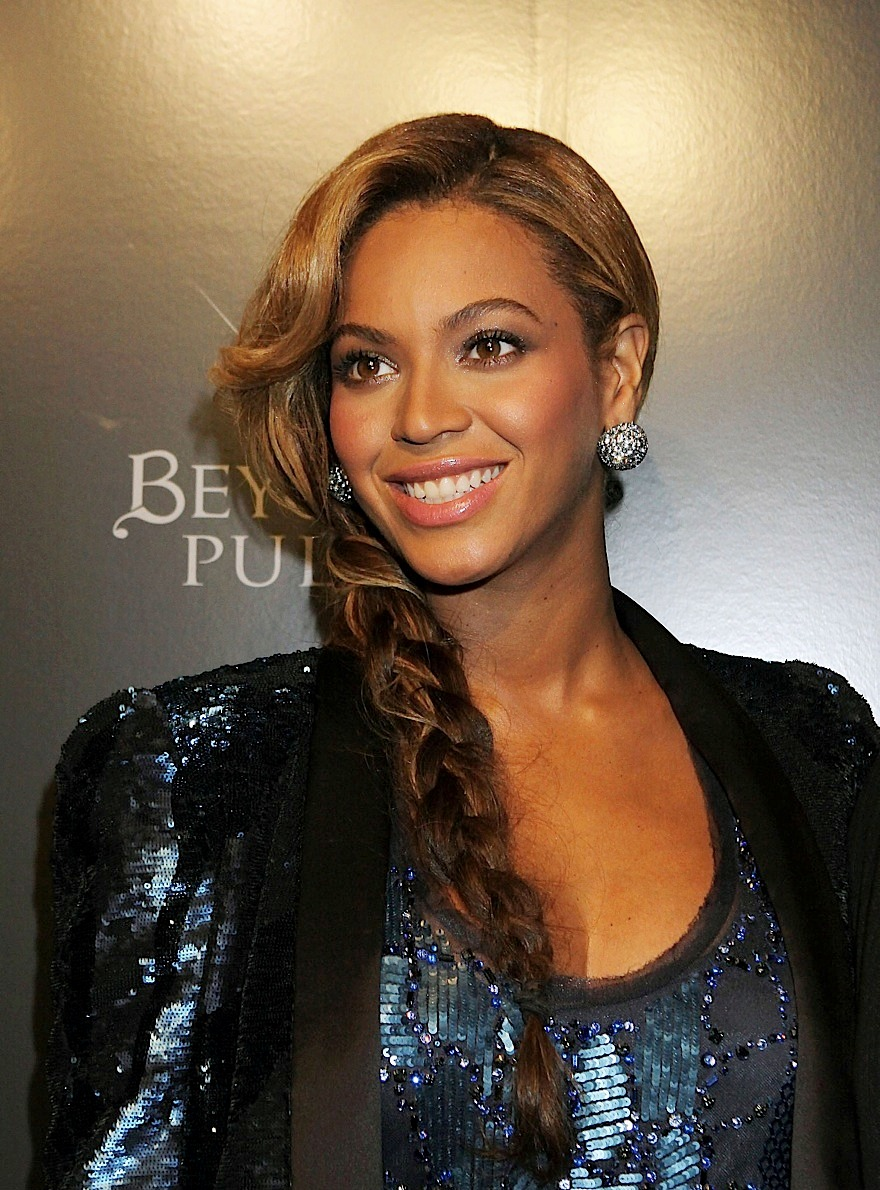 Celebrity Hairstyle Ideas Beyonce Knowles Long Side Braided