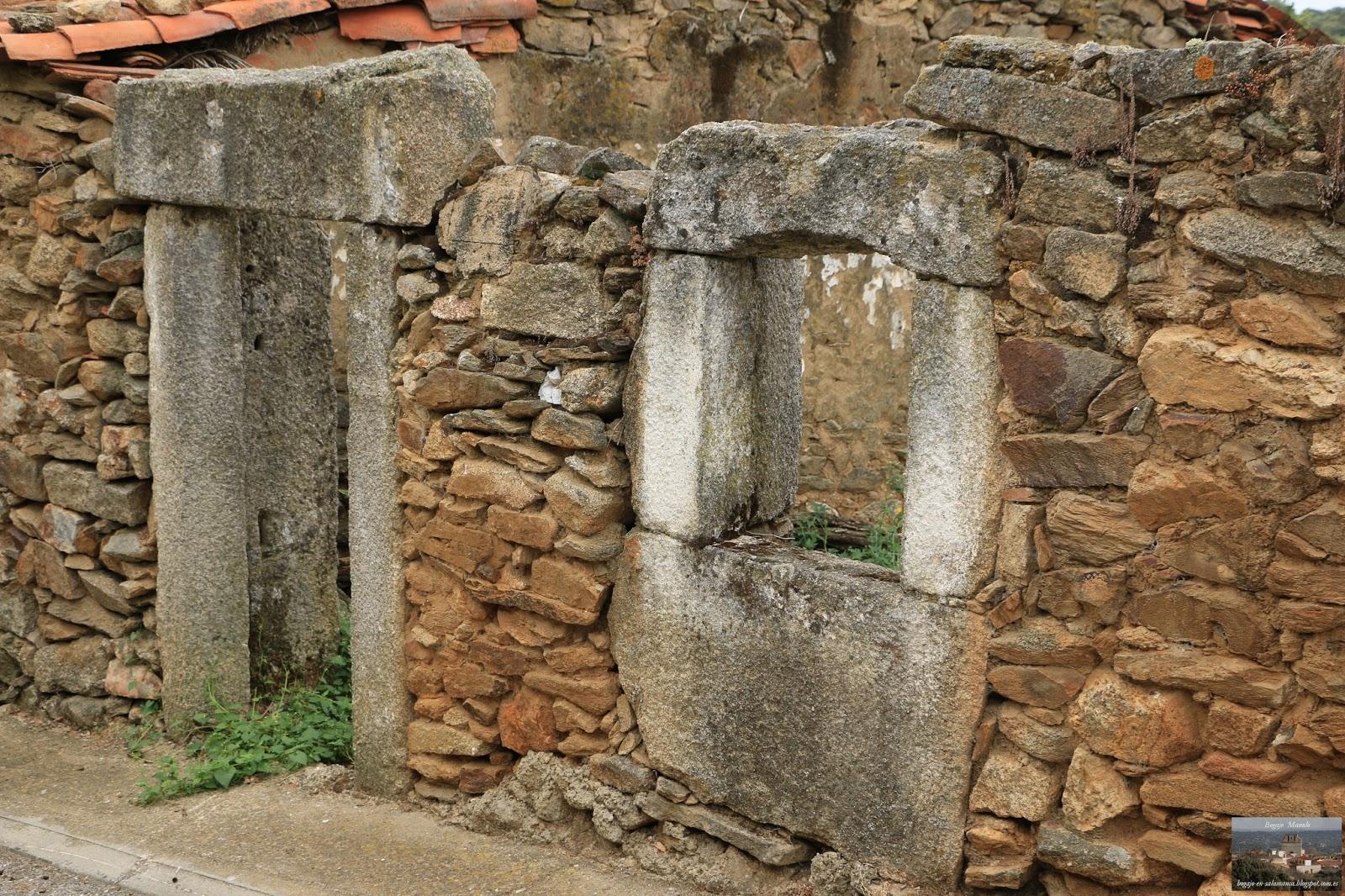 Bogajo salamanca puertas y ventanas antiguas en bogajo for Puertas y ventanas de hierro antiguas