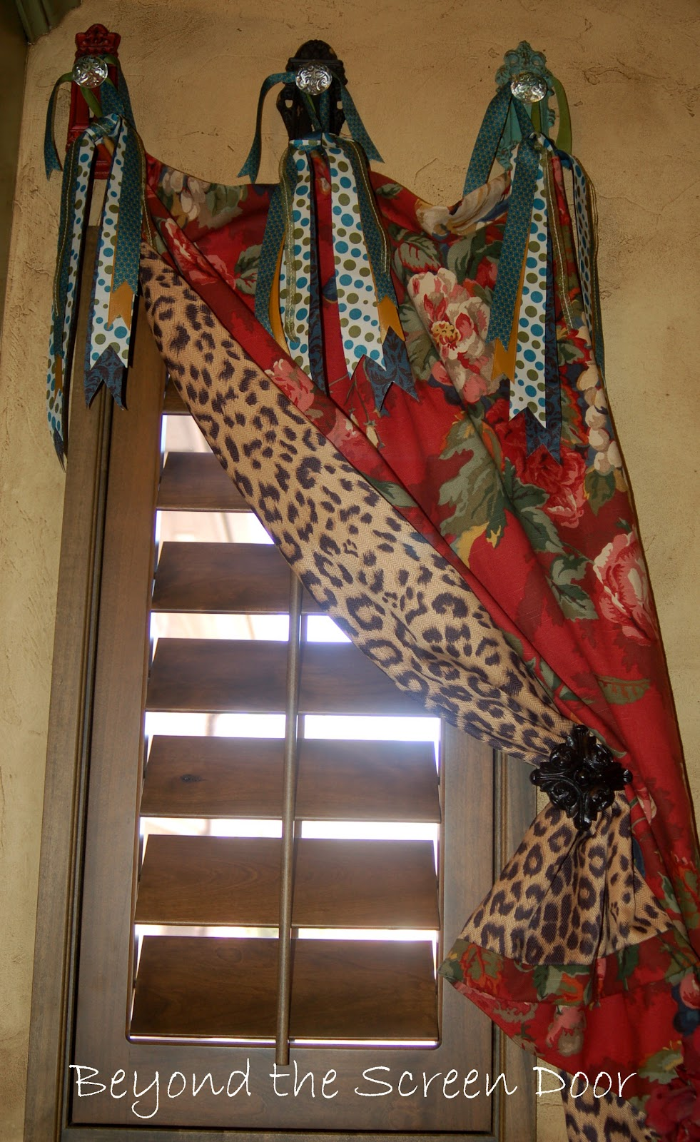 Laundry room curtains - Funky Up Cycle For A Laundry Room Window