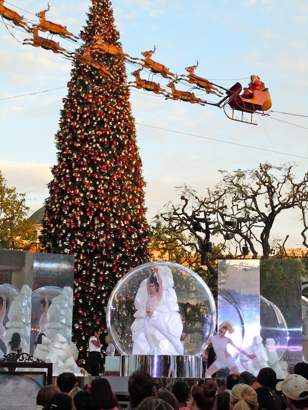 Mac Glitter and Ice skaters The Grove Dec 2011
