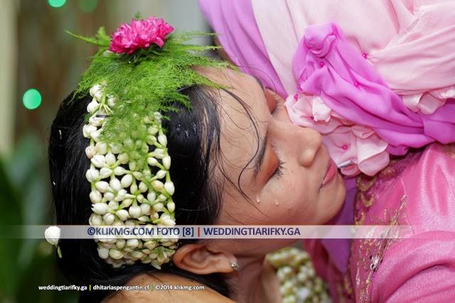 Adicara Siraman TIA ANGGRAINI (1) - Rias Pengantin oleh : Dhita Rias Pengantin Purwokerto | Foto oleh KLIKMG Fotografer Jakarta
