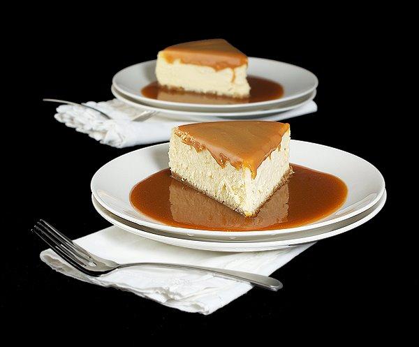 Amaretto Cheesecake with Amaretto Caramel Sauce