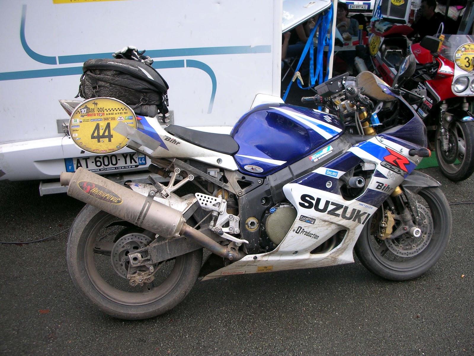 Suzuki GSXR 1000 - Page 8 SUZUKI+GSXR+1000+K4+2004+DARK+DOG+MOTO+TOUR+2012+ANGERS