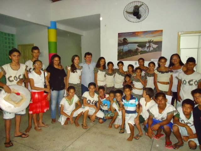 Grupo Raízes do coco-Caetanos de cima