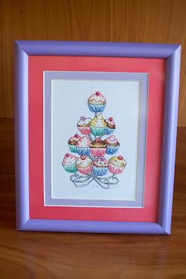 Torre de cupcakes punto de cruz