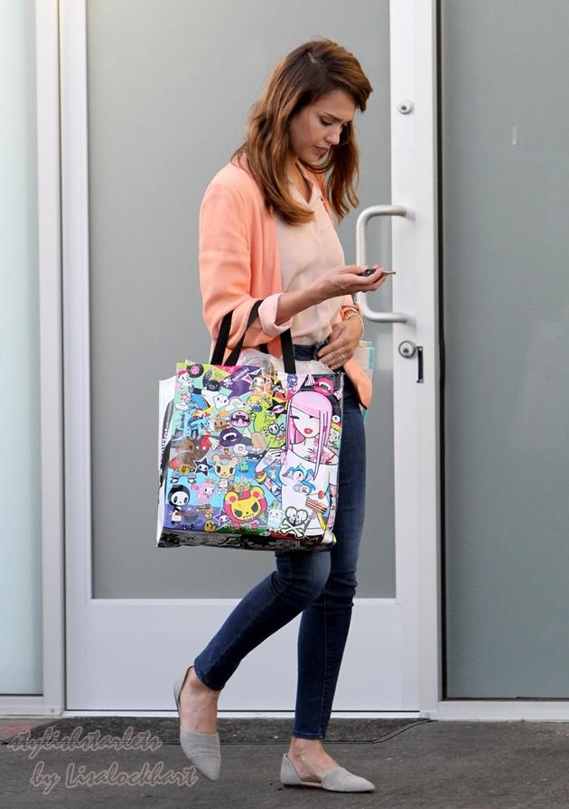 Jessica Alba Summer Street Style Stylish Starlets