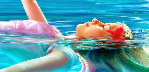 chica en el agua
