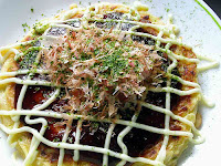 okonomiyaki  japanese pancake pizza