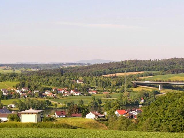 Urlaub Sommer Passau Bayern Familie Dorf Spaziergang