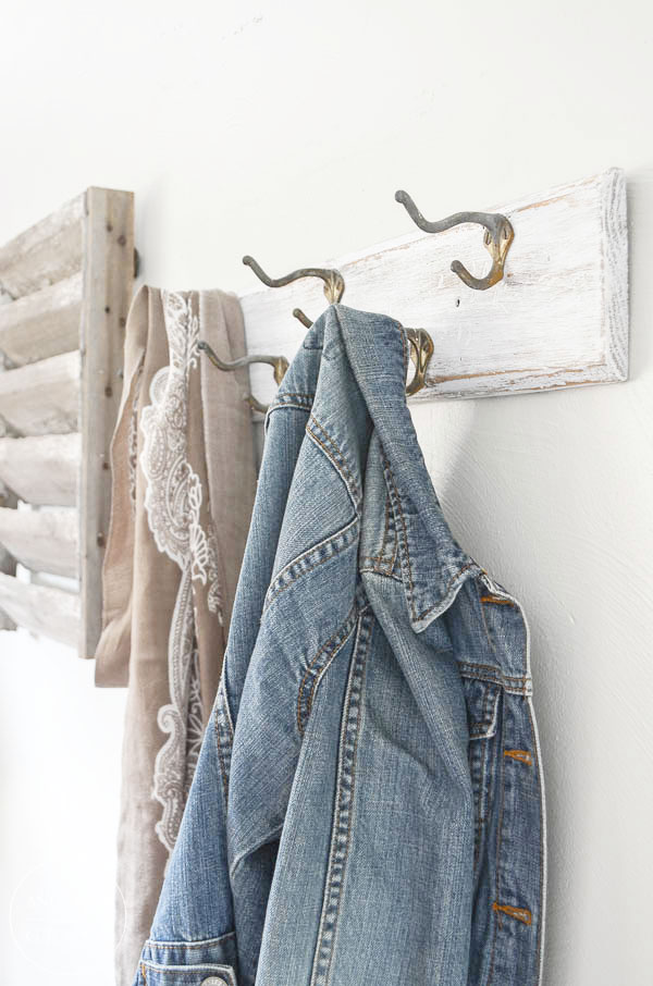 See how a dated coat rack can be transformed into a stylish piece to hang on the wall in your entryway.  ||  www.andersonandgrant.com
