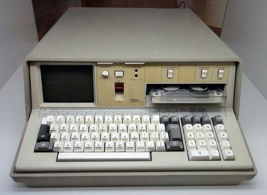 Inilah Laptop Pertama Di Dunia [ www.BlogApaAja.com ]