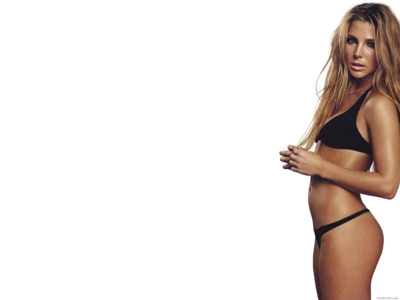 Elsa Pataky Sexy In Black Swimwear Fashion Actress Elsa Pataky