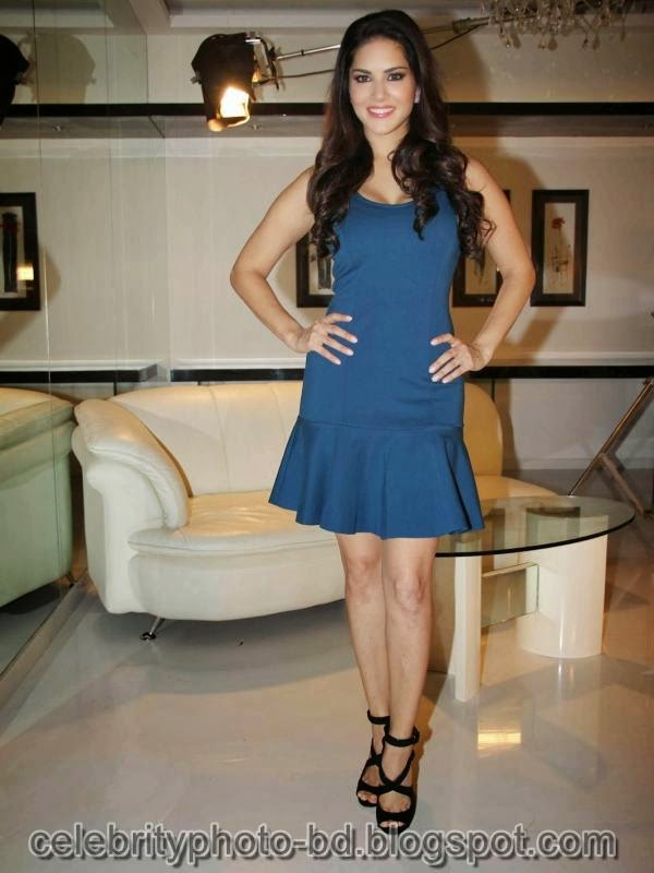 Sunny+Leone+Photos+in+Short+Dress+at+MTV+Webbed+In+Mumbai+Drama+Series+Shooting010