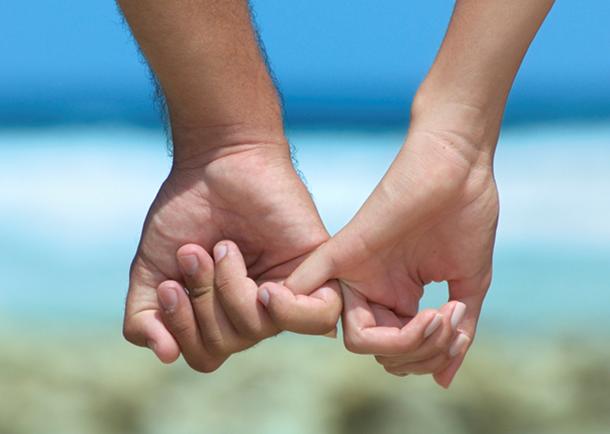 Bolehkah pacaran sebelum pernikahan? Apakah halal atau haram? Lalu bagaimana cara mengatasinya? Maka, bacalah artikel ini sebentar saja.