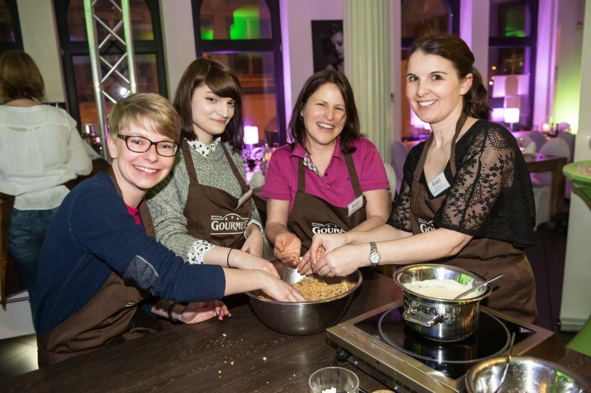 GOURMET-Kochevent Köln: Zubereitung der Cakepops / Foto: Purina Gourmet, Christian Geisler