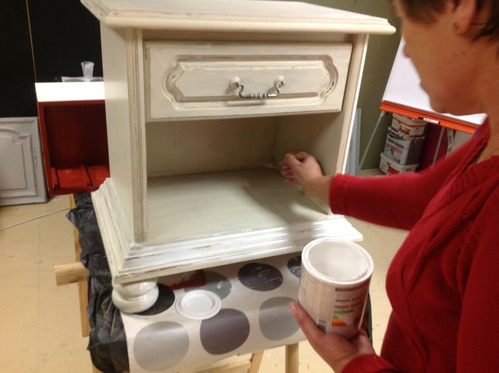 peinture sur meuble patine et effet blanchi cours de. Black Bedroom Furniture Sets. Home Design Ideas