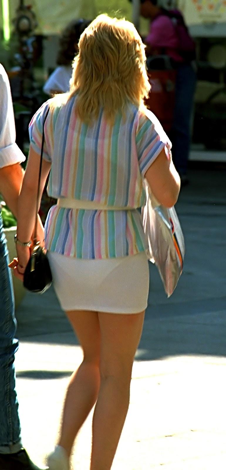 5Просвечивающие трусики через платья