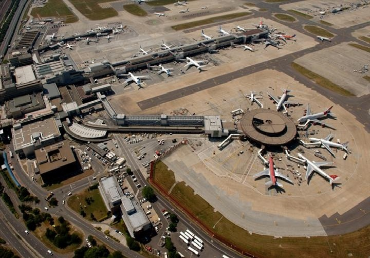 Bandara Gatwick, London, Inggris. ZonaAero