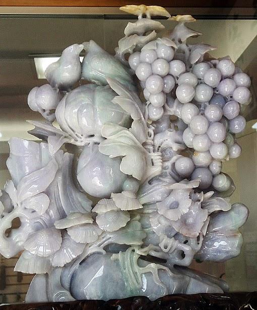 White Jadeits Sculpture