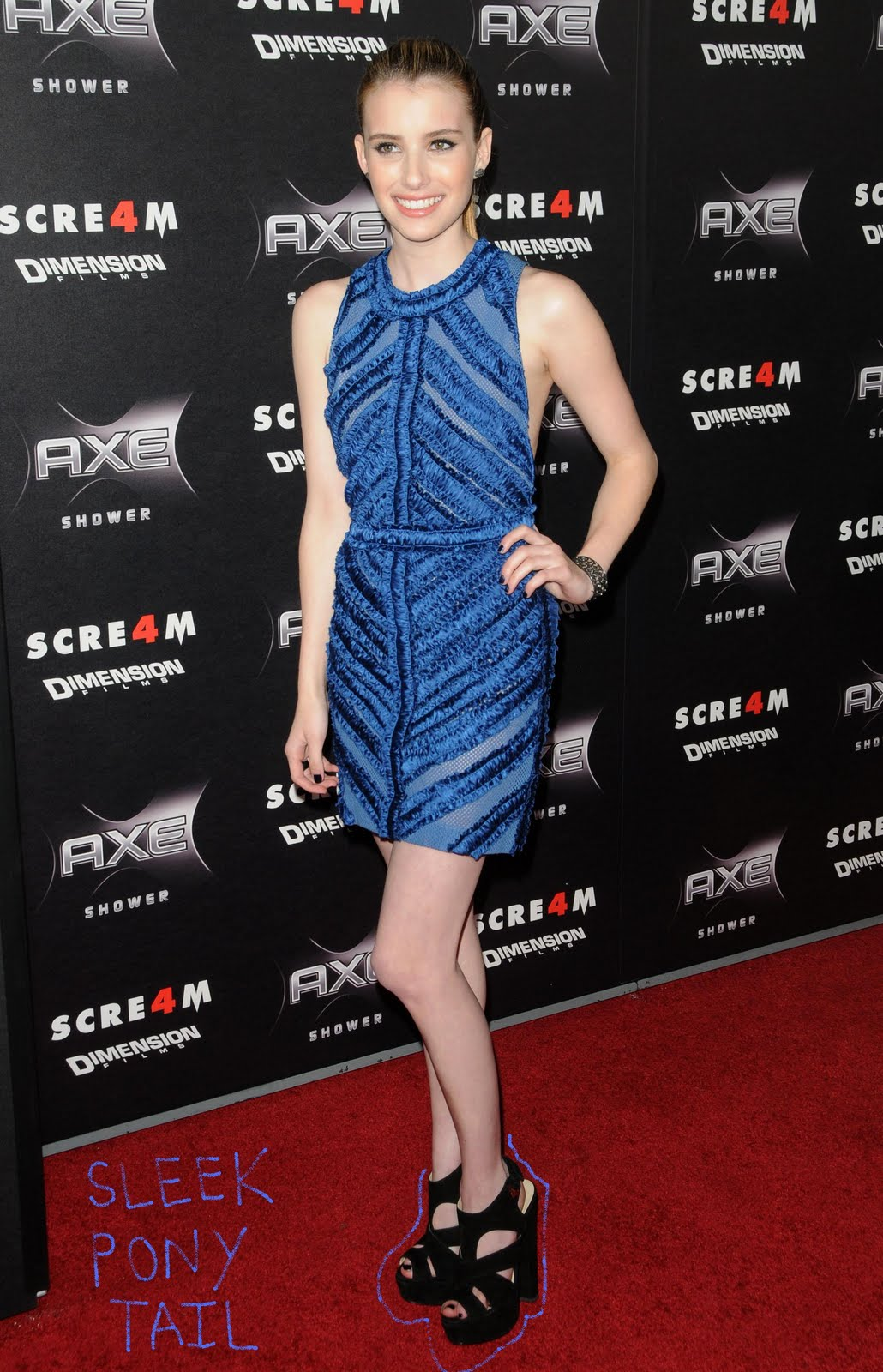 http://3.bp.blogspot.com/-D0jb80H4-lE/ThYODlQAHGI/AAAAAAAABNE/qR5KOl8s61Q/s1600/Emma-Roberts-Scream-4-Blue-Dress-Full.jpg