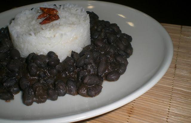 fagioli neri messicani e riso pilaf