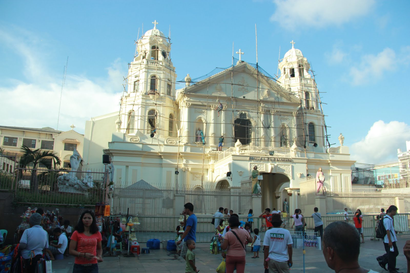 """fortune telling at quiapo church There are also the manghuhula who foretell their clients' fortune in love, business , and health or  the presence of folk medicine within the vicinity of the quiapo  church would surely inspire  """"madame delea: a quiapo fortune teller."""