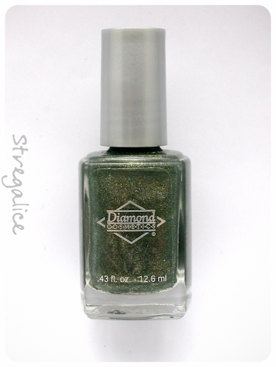Diamond Cosmetics Never So Ever-green - bottle