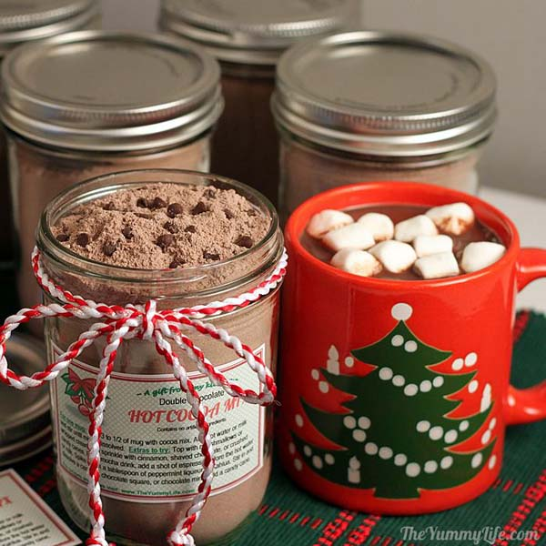 http://www.theyummylife.com/hot_cocoa_mix_gift_tags