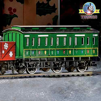 Collectible Winter Holiday special scale model HO Bachmann Thomas the train set Emily engine coach