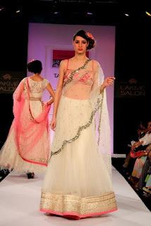 Lakme-Saree-Style