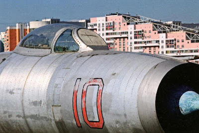 Фонарь кабины и носовая часть фюзеляжа перехватчика Су-9