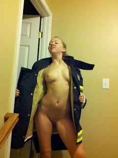 Sexy Pussy - rs-2011-10-12_22-30-18_447-784617.jpg