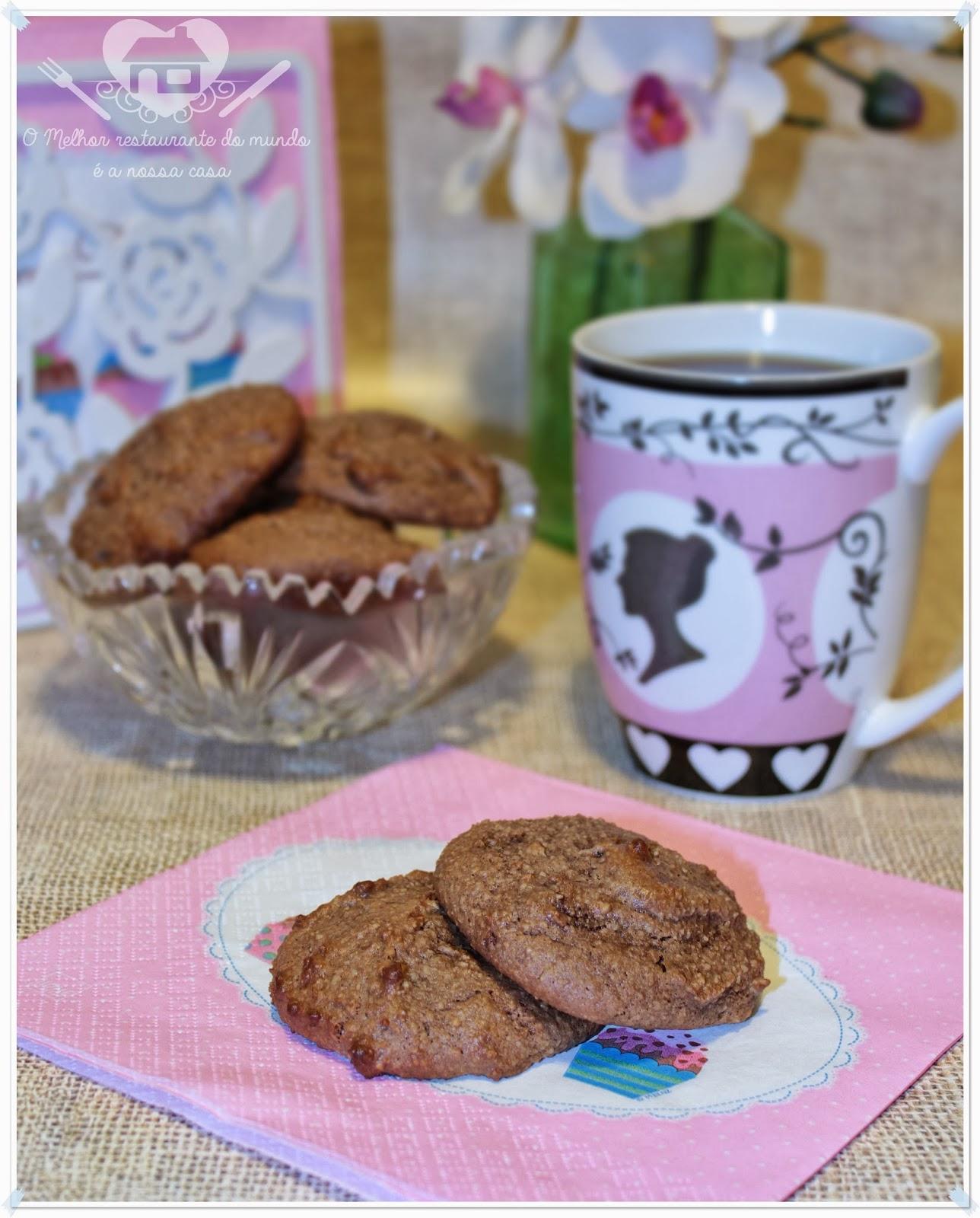 Biscoitos DE CHOCOLATE COM AMENDOAS E COCO SEM FARINHA E Manteiga