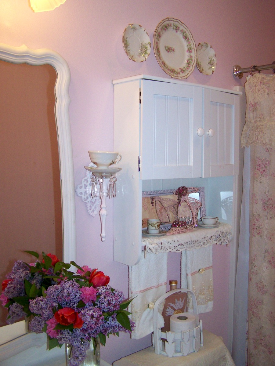 olivia 39 s romantic home my shabby pink bathroom. Black Bedroom Furniture Sets. Home Design Ideas