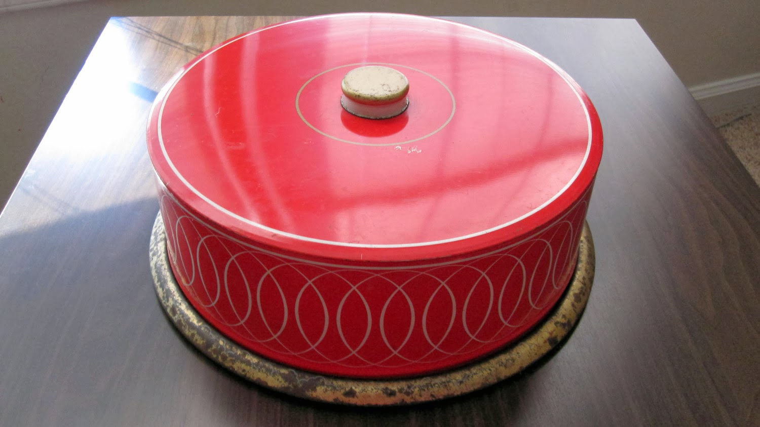 https://www.etsy.com/listing/116594962/reduced-rustic-red-farmhouse-cake-tin