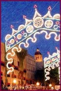 Torre de Calendura entre luces de fiesta. 2011