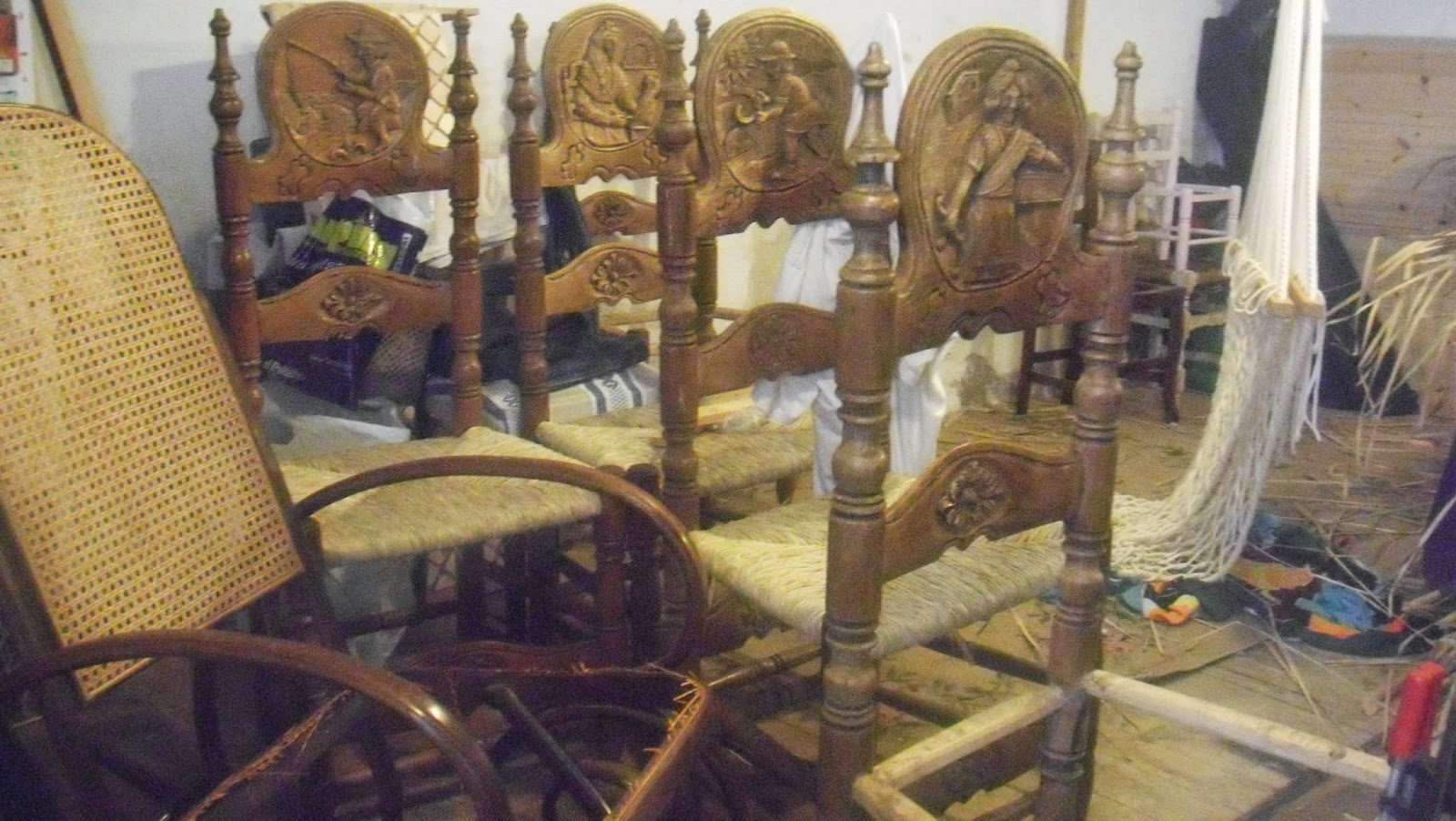 Reparaci de cadires amb boga reparaci n de sillas en - Reparacion de sillas de rejilla ...