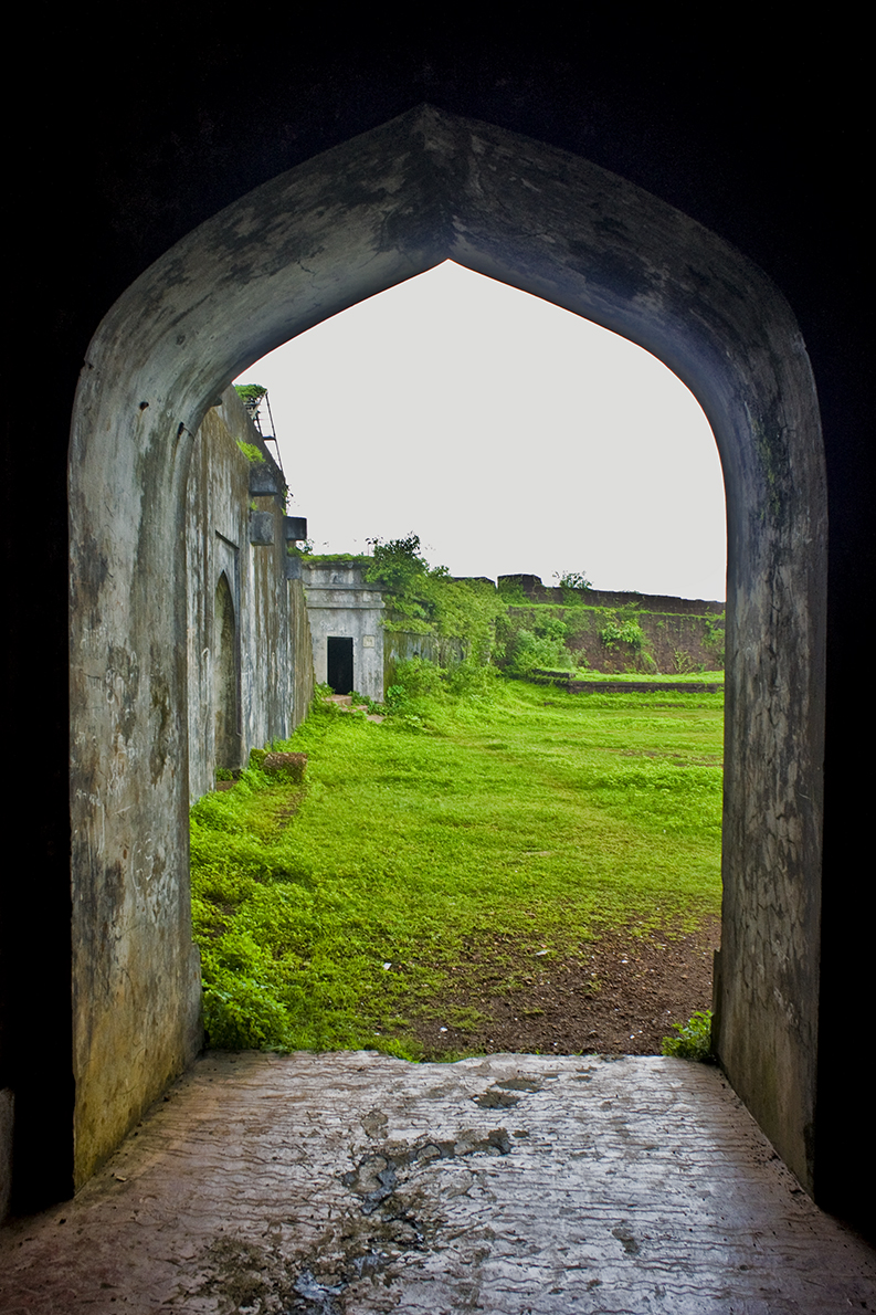 An ode to history a photo montage vijaydurg fort - The Best Season To Visit The Fort Is Definitely The Monsoons Lush Green With Deep Blue Sea Give One The Joy Of Seeing This Fort Can Be Easily Visited From