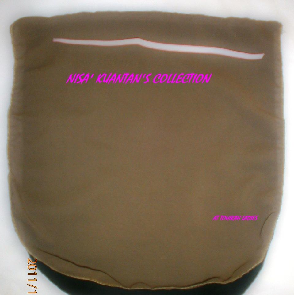 ... lapis(lapisan dalam kain hitam),benang jahit tepi grey t erang.KOD 006