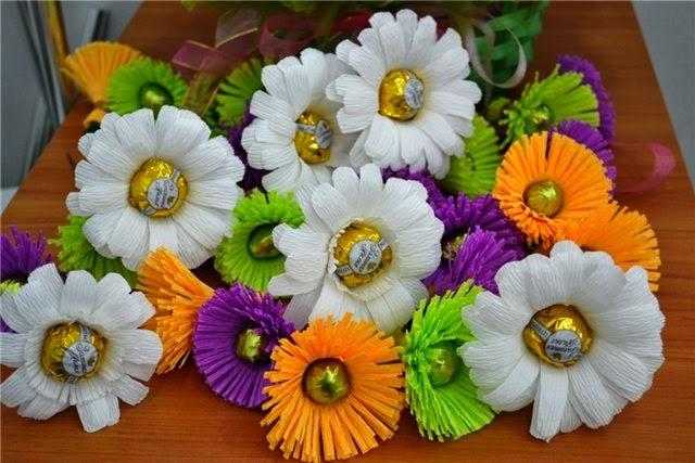 Все цветы из конфет своими руками 94