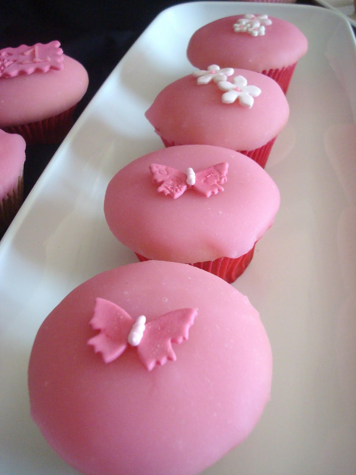 Vintage Haven Studio: Pretty Pink Cupcakes and My Day as a Guest ...