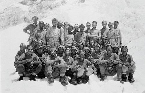 Старые фотографии: Первое успешное восхождение на Эверест
