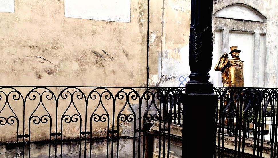 Casa de los ezeiza o pasaje de la defensa visto en baires for Casa de diseno san telmo