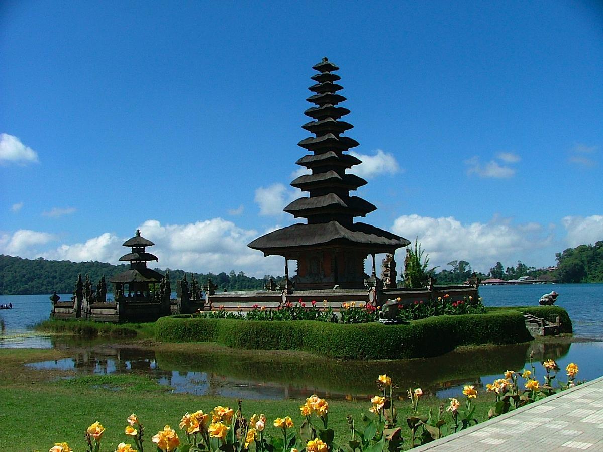 Pulau Bali di Indonesia Danau Bedugul di Pulau Bali