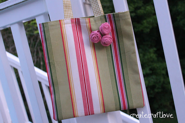 Craft Swag Bag via createcraftlove.com #sewing #tote